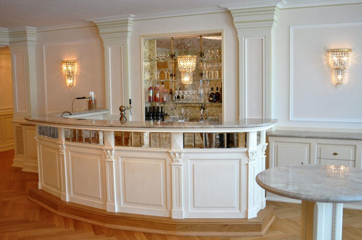 exquisites Speisezimmer und Bar, Tischlerei Manhartsgruber
