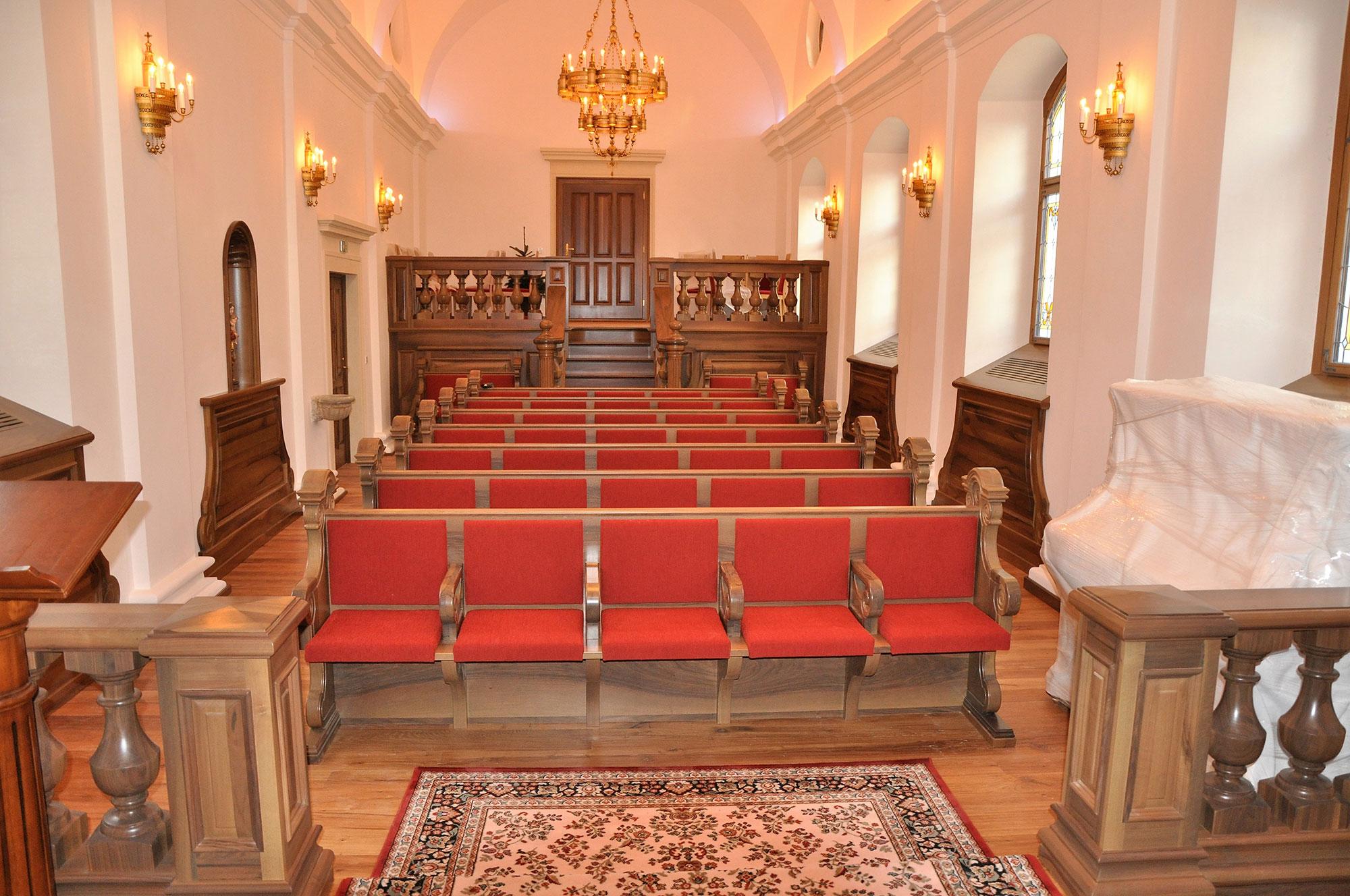 Kirchenmobiliar - Holzbänke für Kirche
