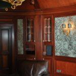 Edle Vollholzmöbel für Whisky Lounge